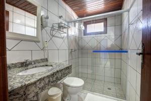 apt. 205,  206 banheiro